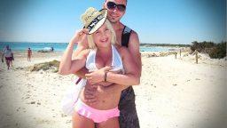 Sarışın turist sevgililer sahilde sex yaptılar