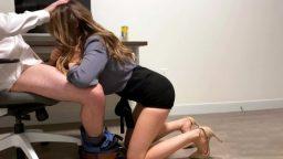 Gizli çekim iş yerinde sekreterle sikiş